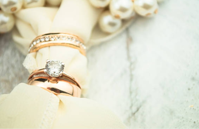 engagement rings gold rose